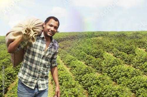 Photo  Brazilian coffee farmer at coffee plantation