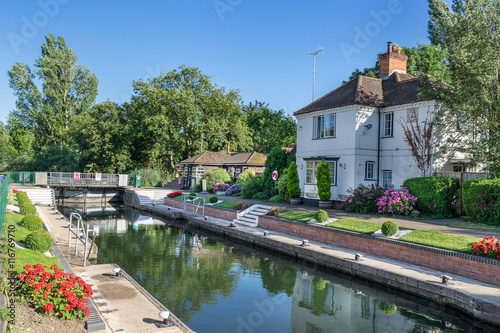Photo Marlow Lock on the River Thames to the west of London