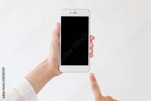 スマートフォンを操作する女性、拡張現実、ar