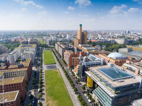 Photo  Aerial view of Potsdamer Platz area and gardens in Berlin, Germa