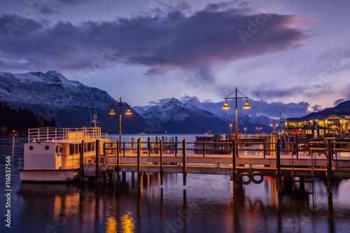 Photo  beautiful scenic of lake wakatipu queenstown south island new ze