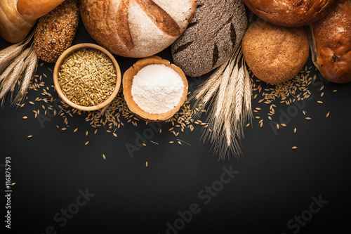 Poster Brood Fresh bread and wheat