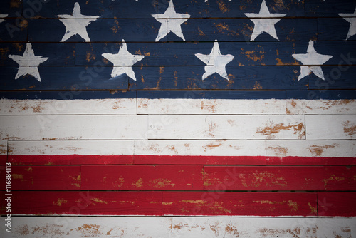 Carta da parati  United States flag painted on wooden planks forming a background