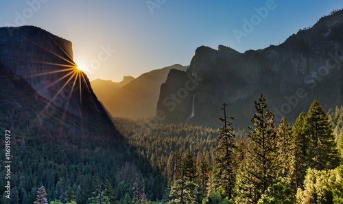 Crack of dawn at Yosemite Valley Wallpaper Mural
