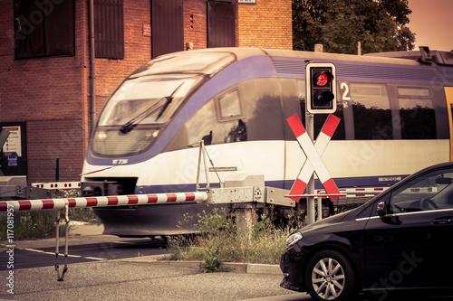 Valokuva  Triebwagen am Bahnübergang