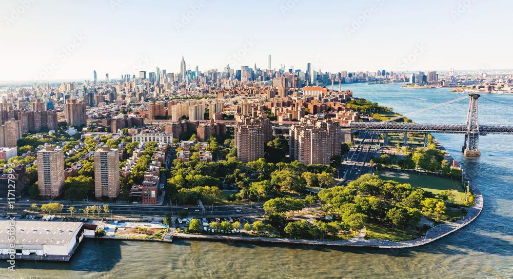 Fototapety, obrazy: Williamsburg Bridge over the East River in Manhattan, NY
