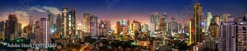Obraz Panorama von Bangkok Skyline in der Nacht - fototapety do salonu