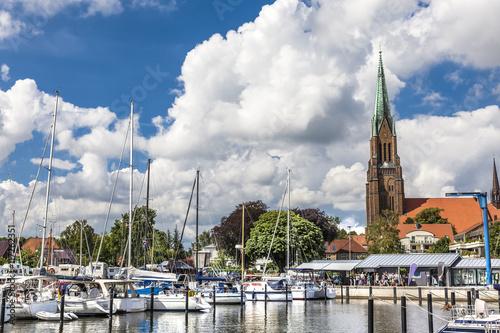 Spoed Foto op Canvas Poort Panorama von der Marina im Hafen von Schleswig
