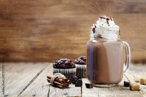 Poster de jardin Chocolat hot dark chocolate with whipped cream