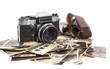 canvas print picture - alter antiker fotoapparat mit fotografien