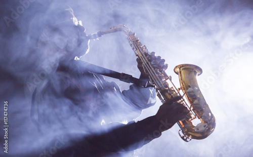 Fototapety One Color   african-american-jazz-musician-blues-club-preformer