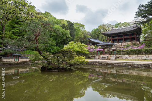 Keuken foto achterwand Seoel Buyongji Pond and Juhamnu Pavilion at Huwon (Secret Garden) at the Changdeokgung Palace in Seoul, South Korea.