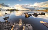 Fototapeta Fototapety do łazienki - piękny zachód słońca nad jeziorem w Norwegii