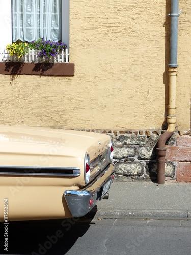 фотография  Heckpartie einer zweitürigen australischen Limousine der Sechzigerjahr Ton in To