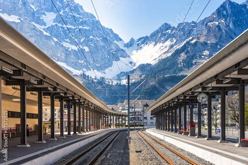 Foto auf AluDibond Bahnhof Switzerland train platform