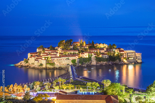 Photo Night islet and hotel Sveti Stefan, Montenegro, Adriatic sea, Eu