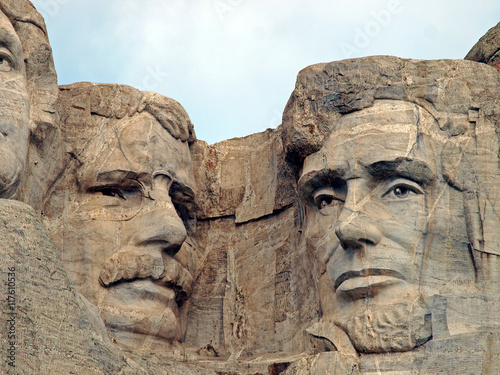 Fotografia, Obraz  Sculpted images of Presidents Theodore Roosevelt and Abraham Lincoln at Mt
