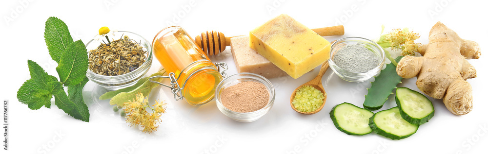 Fototapety, obrazy: Natural ingredients for skin care on white background