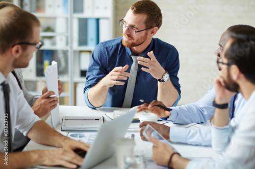 Photo  Meeting of businessmen