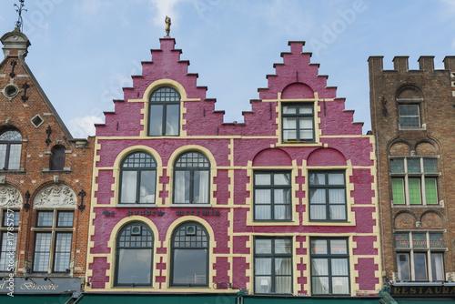 In de dag Brugge Traditionelle flämische Architektur in Brügge