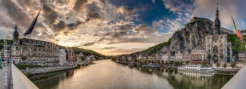 Fotomural  Meuse River passing through Dinant, Belgium.