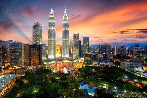 Zdjęcie XXL Kuala lumpur skyline o zmierzchu, Kuala lumpur, Malezja