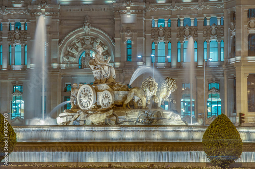 Photo sur Toile Fontaine Cibeles Fountain at Madrid, Spain