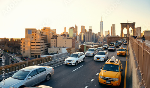 La pose en embrasure New York TAXI Rush hour traffic