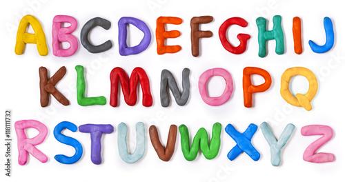 alfabet-recznie-plasteliny-z-cieniem