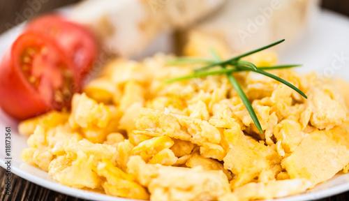 Cadres-photo bureau Ouf Plate with scrambled Eggs (close-up shot)