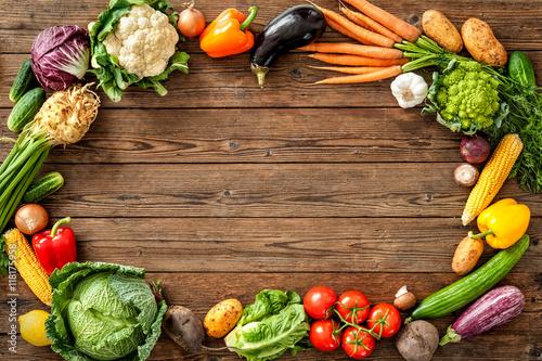 Staande foto Groenten Frame of assorted fresh vegetables