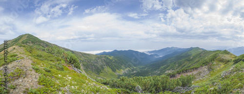 Valokuva  Majestic Siberian mountains Khamar-Daban.