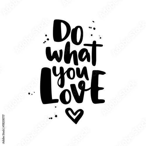 rob-to-co-kochasz-nowoczesne-wektor-napis-z-spl-i-serca-i-atramentu