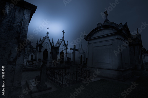 Foto op Canvas Begraafplaats Dark old european cemetery