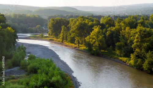 Foto auf Gartenposter Fluss Bend of the mountain river