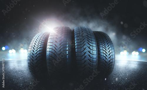 Fototapeta Reifen auf der Straße obraz