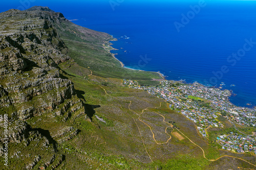 Foto op Canvas Zuid Afrika Republic of South Africa. Cape Town (Kaapstad). Table Mountain's western slopes - the Twelve Apostles, Camps Bay and the Atlantic coast - spectacular view from the top of Table Mountain