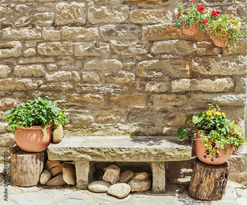 Canvas Print Stone bench in the old Italian street