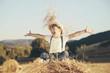 Leinwandbild Motiv niño feliz en el campo