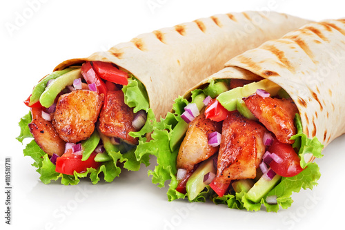 Photo Burrito with grilled chicken and vegetables isolated on white ba