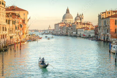 La pose en embrasure Venise Venice at Twilight