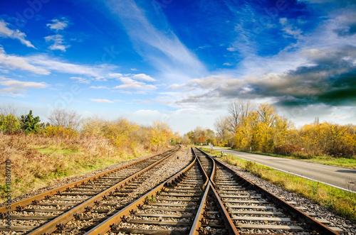 Urlaub, Tourismus, Geschäftsreisen: Staufrei zum Ziel: Bahngleise im freien Feld :)