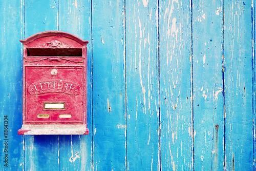Fotomural Red mailbox