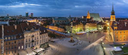 fototapeta na szkło Night Panorama of Old Town in Warsaw, Poland