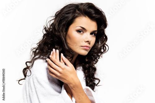 Piękna kobieta z doskonałym ciałem - uroda i pielęgnacja ciała - fototapety na wymiar