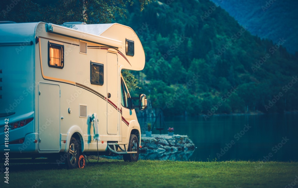 Fototapety, obrazy: Camper Camping at the Lake