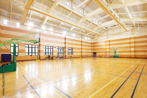 Obraz basketball court in modern gym - fototapety do salonu