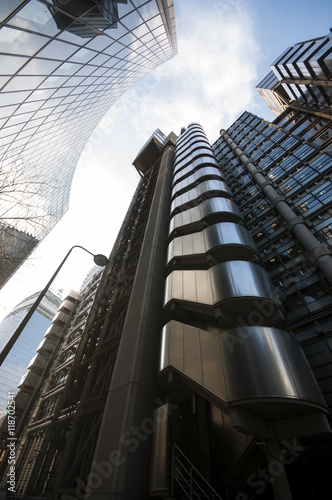 Photo  Financial district office buildings in London
