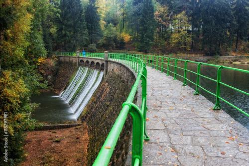 Deurstickers Dam Dam on Lomnica River in Karpacz