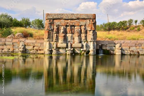 Deurstickers Artistiek mon. Antik Anıt Pınarı